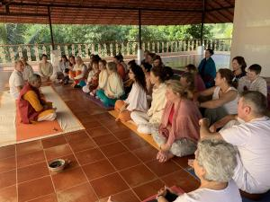 Morning discussion after the yoga and pranayama session.